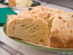 Irish Soda Bread RE Dig in to St. Patricks Day Desserts
