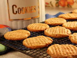 Soft Peanut Butter Cookies RE Your Fave Five: The Top 5 TV Recipes of May